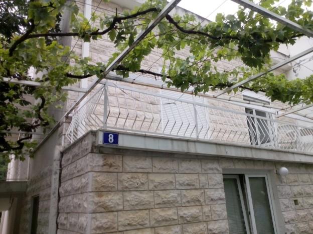 Vila Crnobrnja Becici Galileo tours